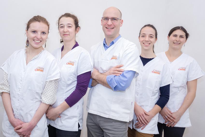 Différences Kiné et Ostéopathe Clinic Ostéo